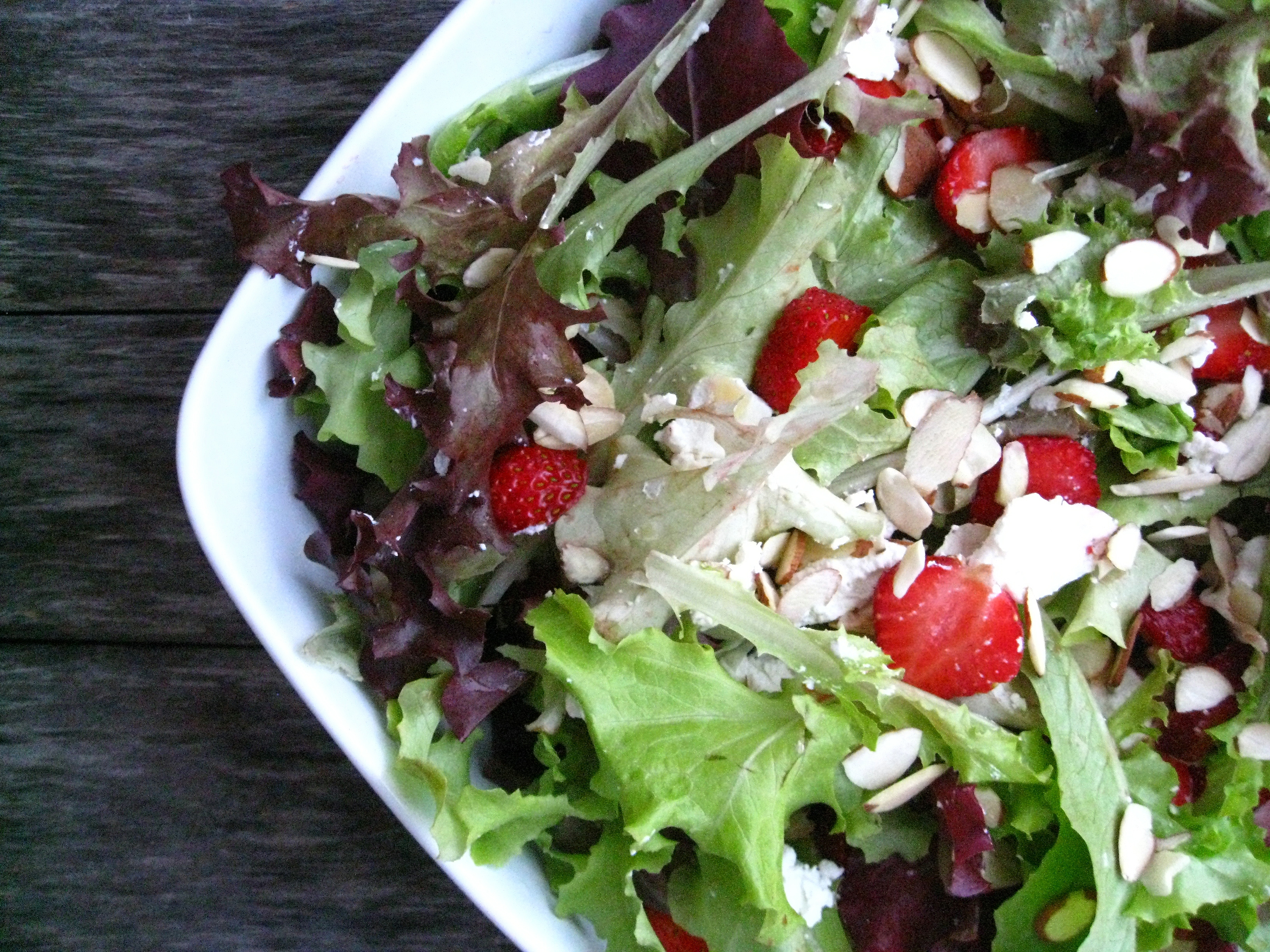 Strawberry and Goat Cheese Salad with Balsamic Vinaigrette ...