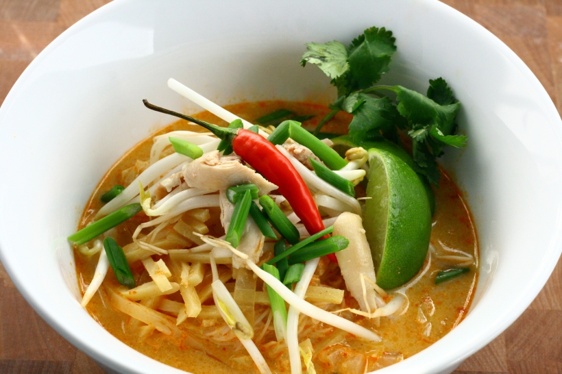 Chicken Curry Rice Noodle Soup (Kow Boon) | doughseedough.net