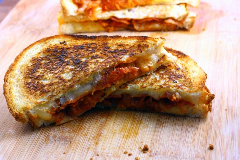 grilled kimcheese sandwich | doughseedough.net