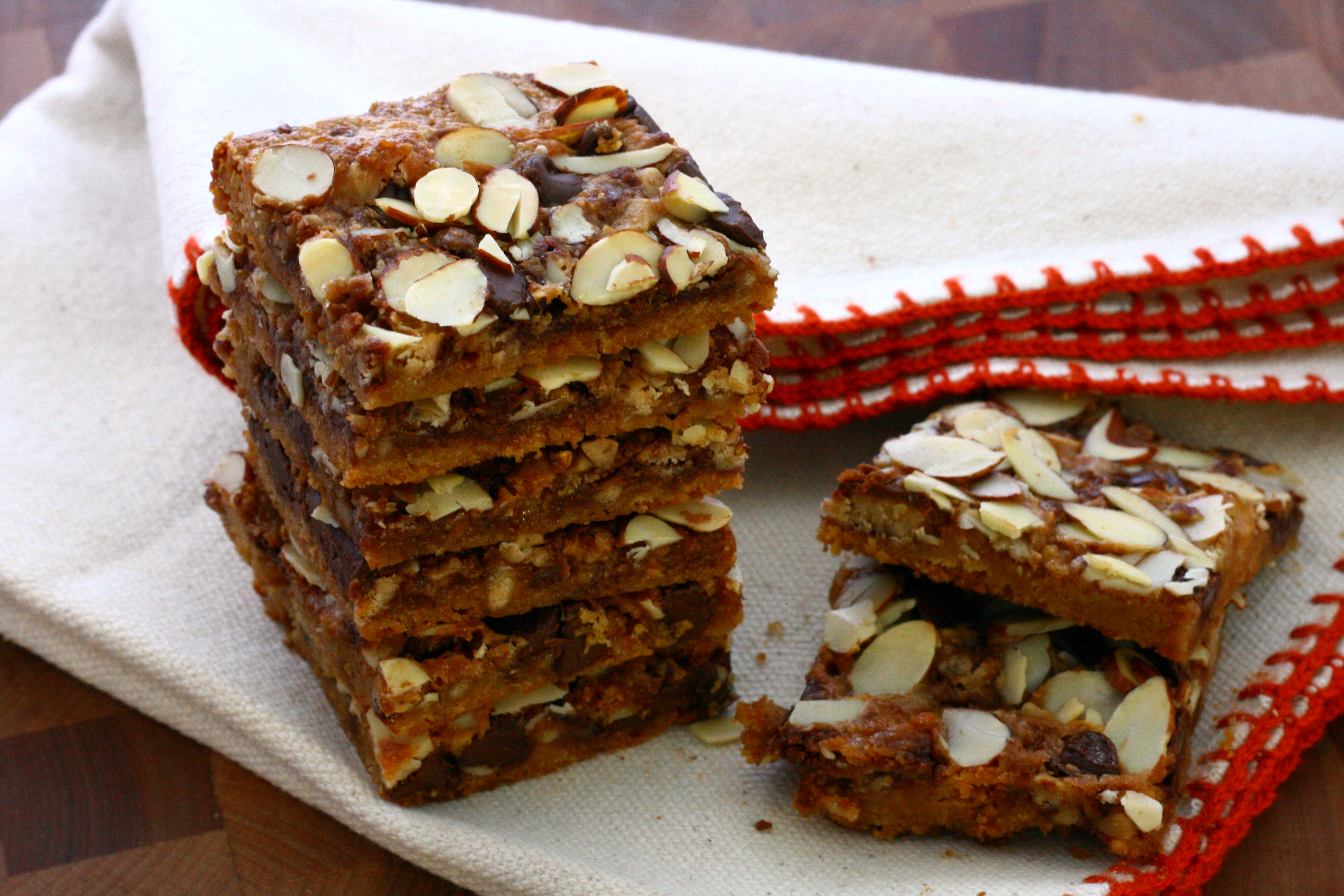 Toffee Almond Magic Cookie Bars | DoughSeeDough