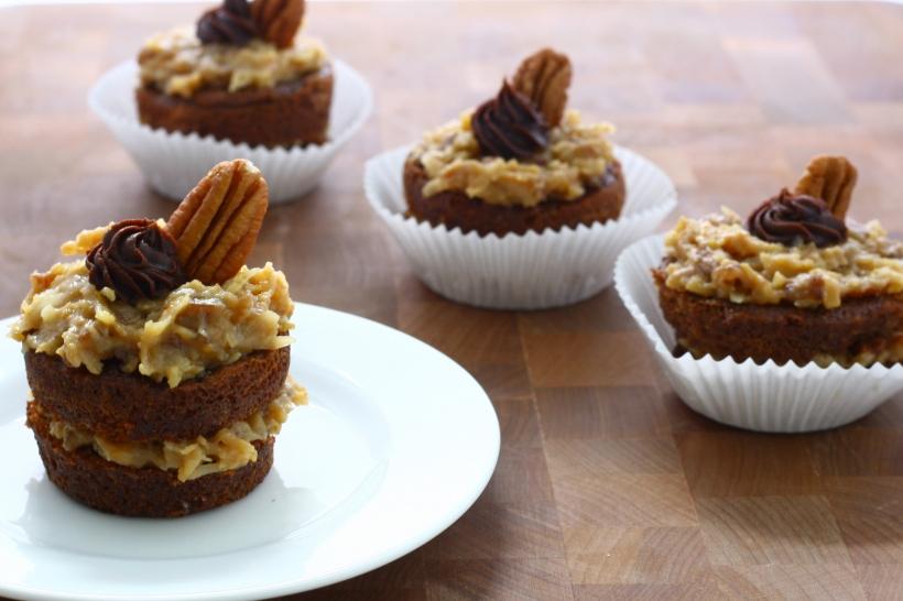 german chocolate cupcakes | doughseedough.net