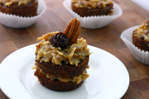 german chocolate cupcakes | doughseedough.net