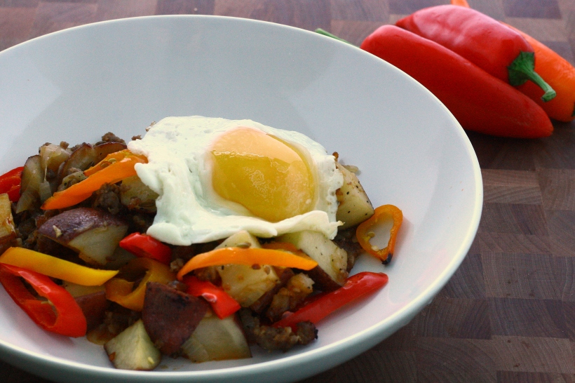 Hot Italian Sausage & Pepper Hash | doughseedough.net