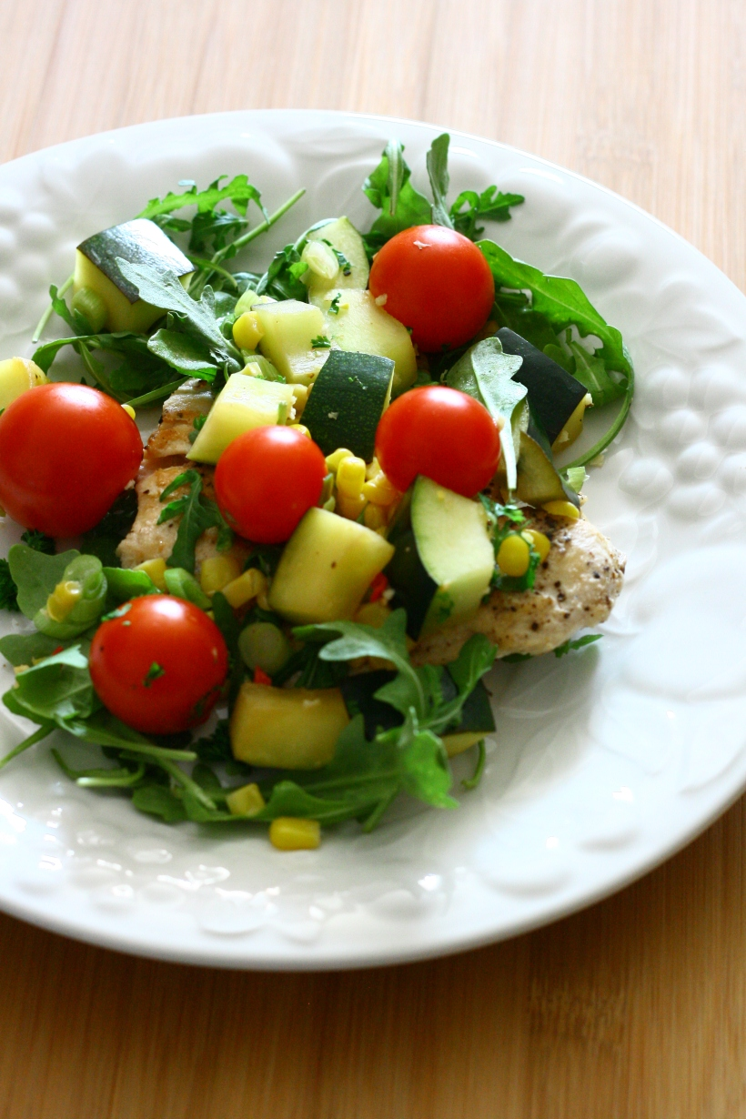 chicken with cherry tomatoes, zucchini, corn and arugula | doughseedough.net