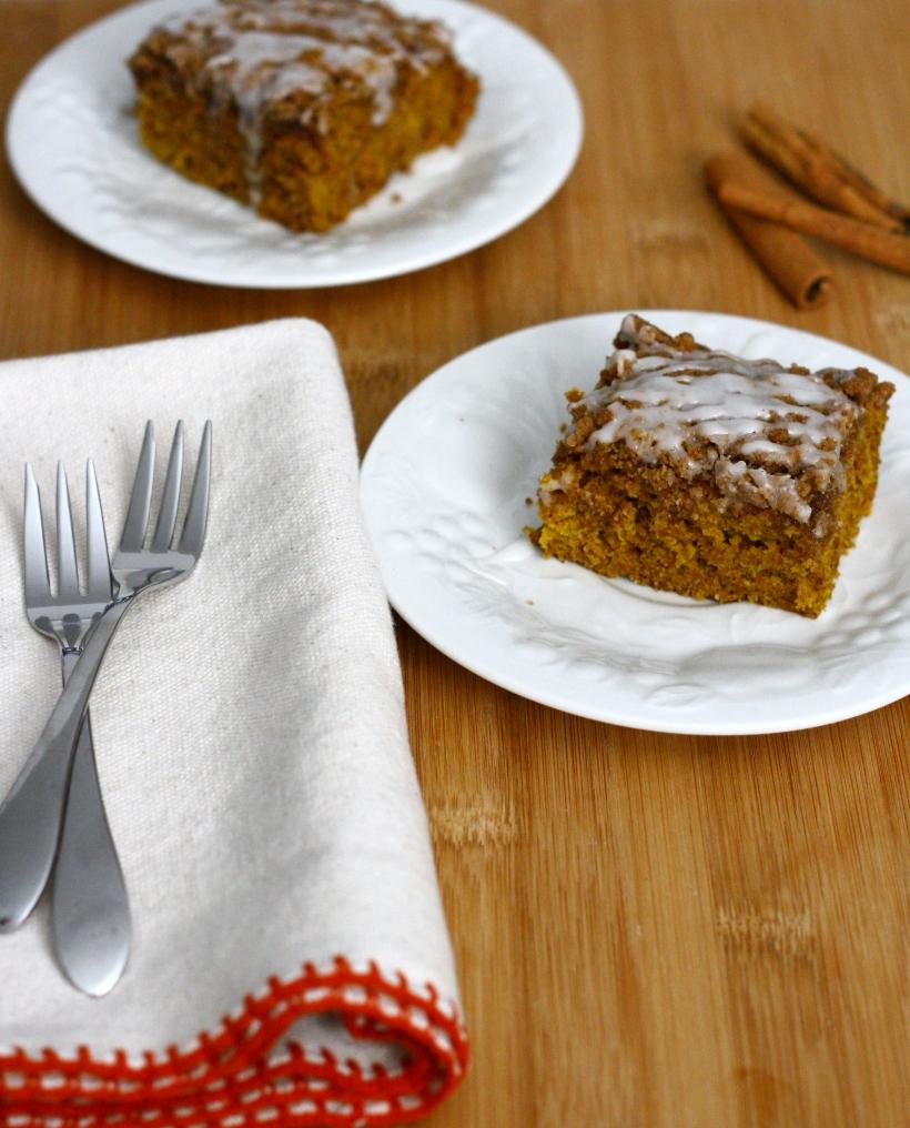 Vegan Iced Pumpkin Coffee Cake with Streusel Topping | doughseedough.net