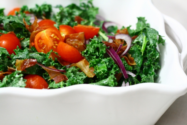 Kale BLT Salad | doughseedough.net