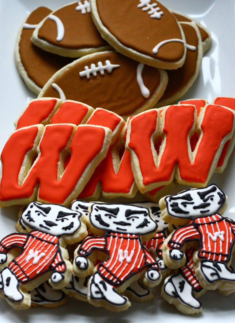 Wisconsin Badger Cookies {sugar cookie cut-outs with royal icing} | doughseedough.net