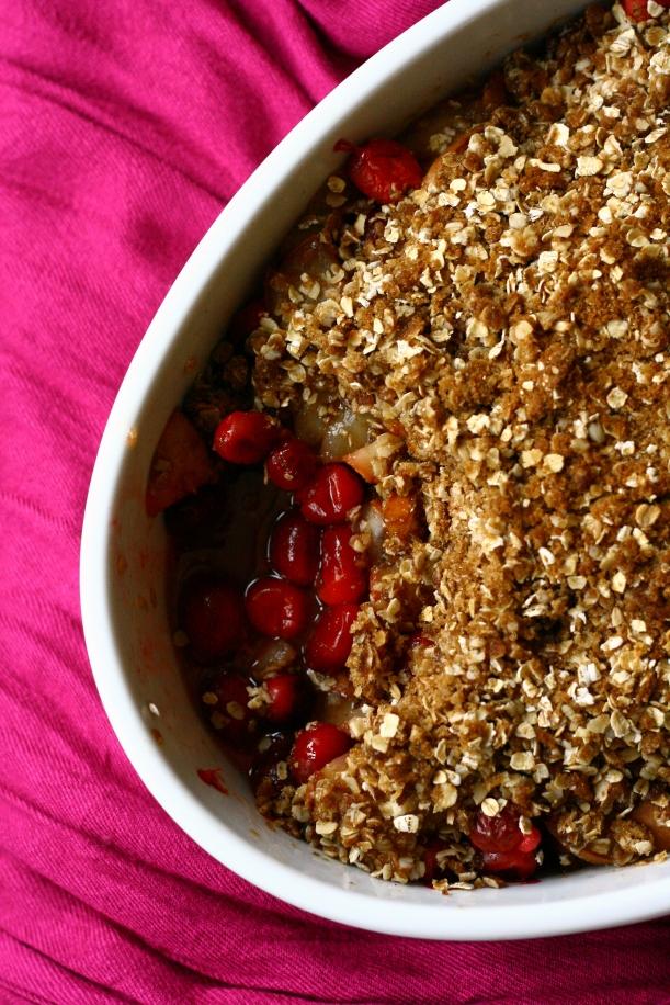 dairy free cranberry pear crisp | doughseedough.net