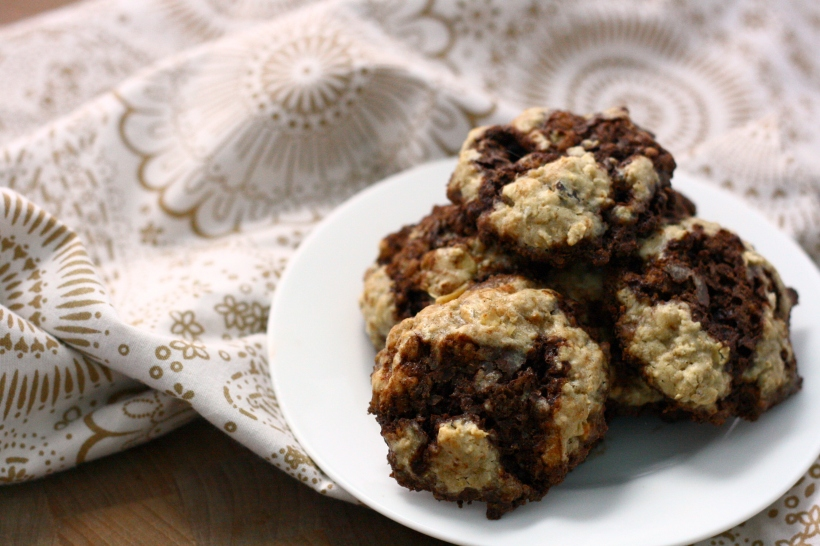 dairy free chocolate chunk and walnut oatmeal cookies | doughseedough.net