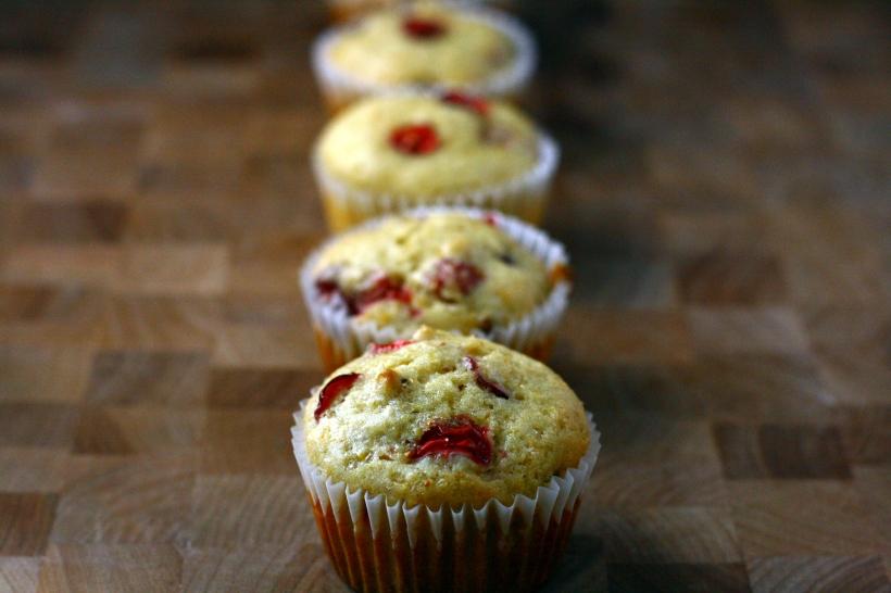 Vegan Cranberry Orange Muffins | doughseedough.net