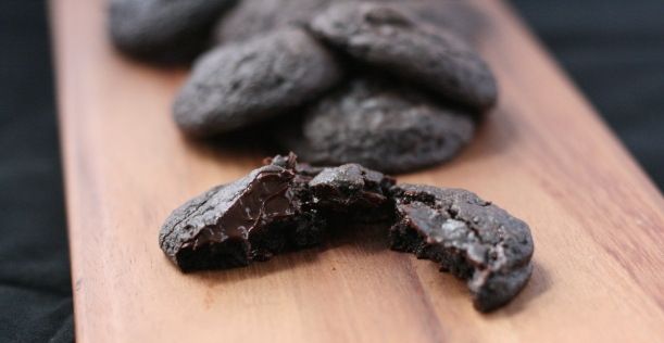 Dairy-Free Double Dark Chocolate Cookies | doughseedough.net
