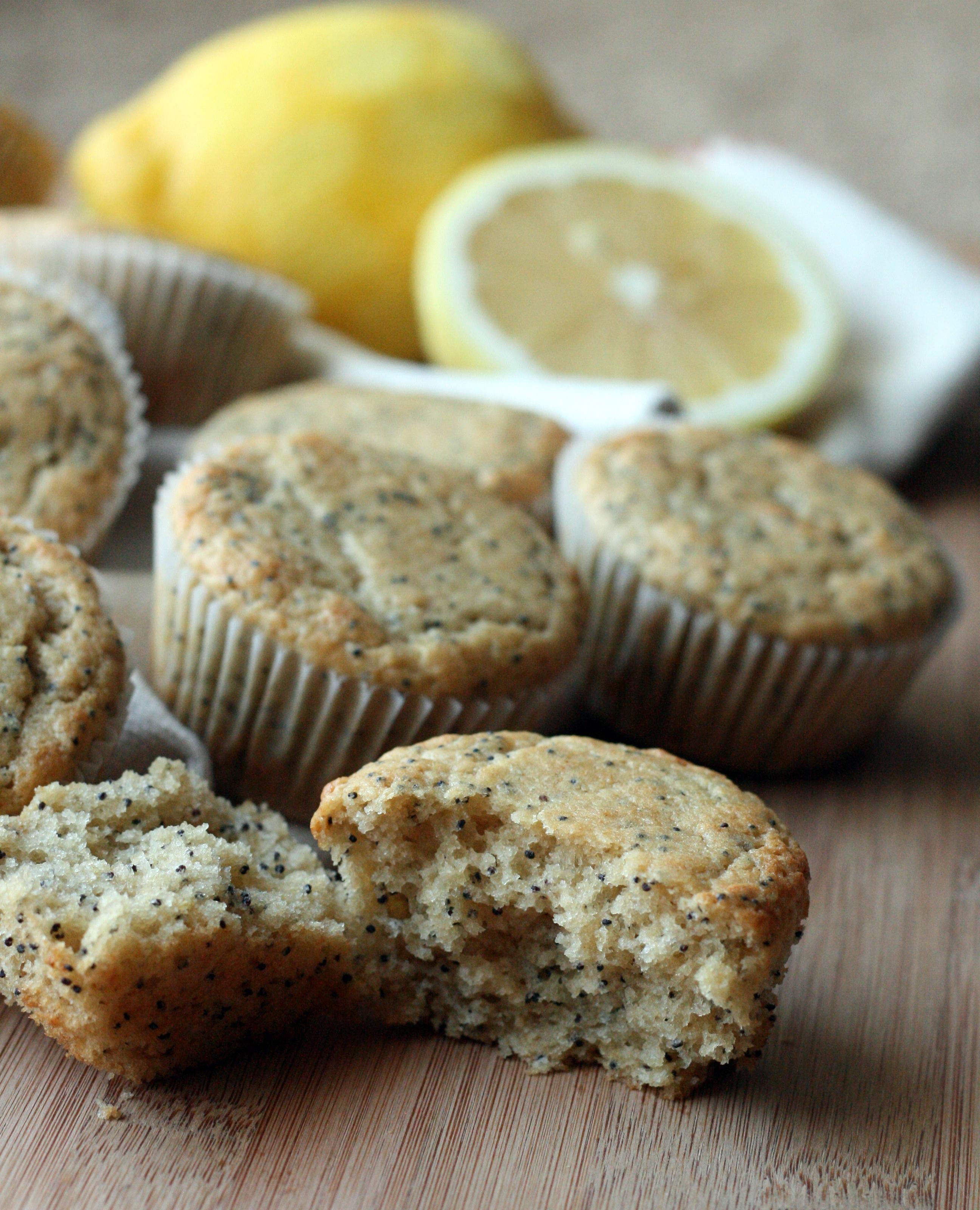 Vegan Lemon Poppy Seed Muffins | doughseedough.net