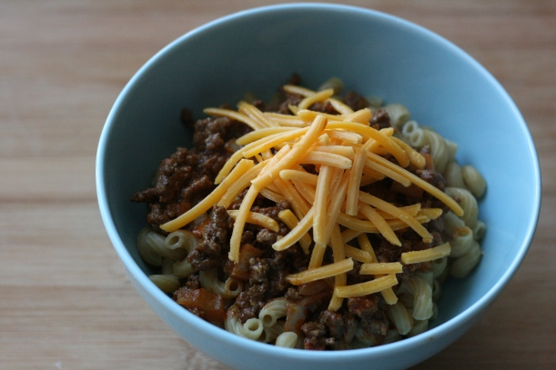 Cheeseburger Chili Mac {dairy-free adaptable} | doughseedough.net