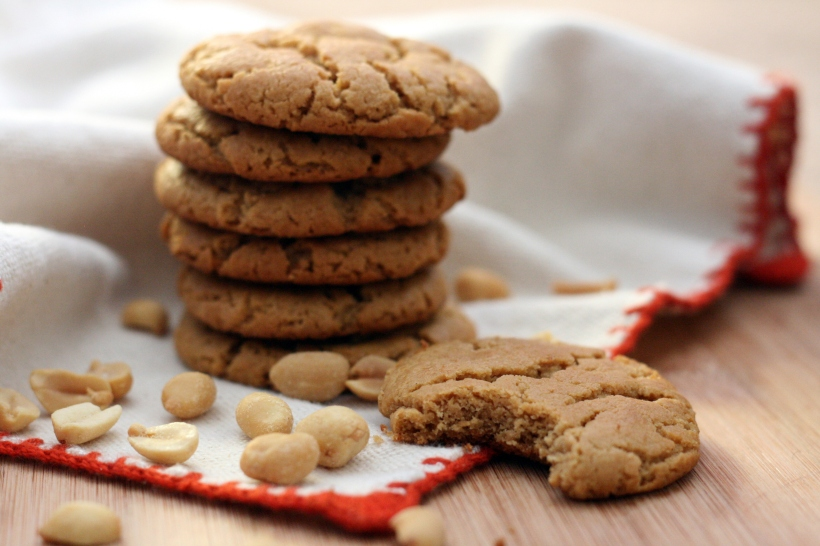 Vegan Peanut Butter Cookies | doughseedough.net