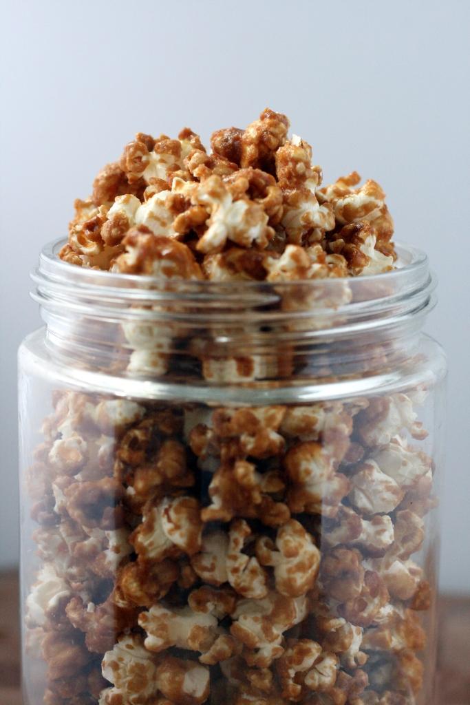 Crunchy Caramel Corn | doughseedough.net