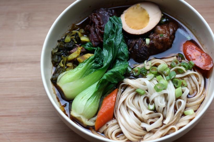 Niu Rou Mien (Taiwanese Beef Noodle Soup) | doughseedough.net