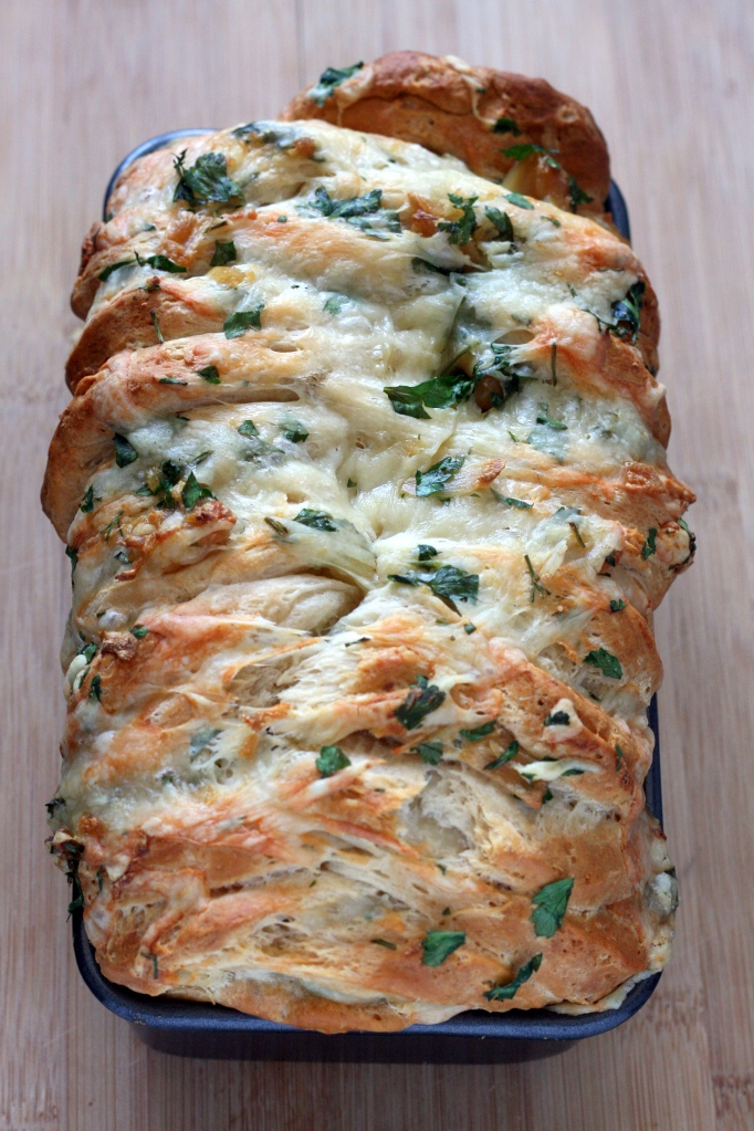 Cheesy Roasted Garlic Pull Apart Bread