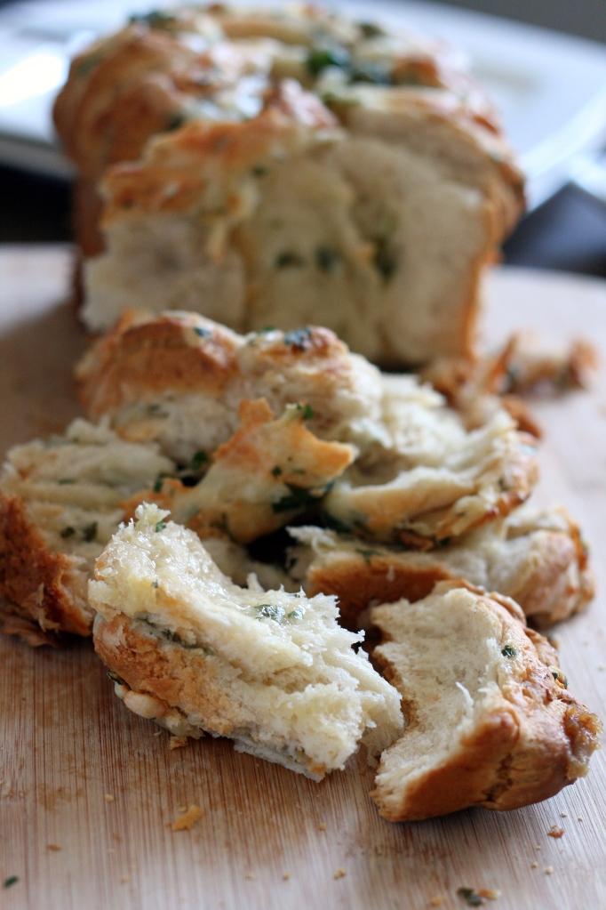 Cheesy Roasted Garlic Pull Apart Bread