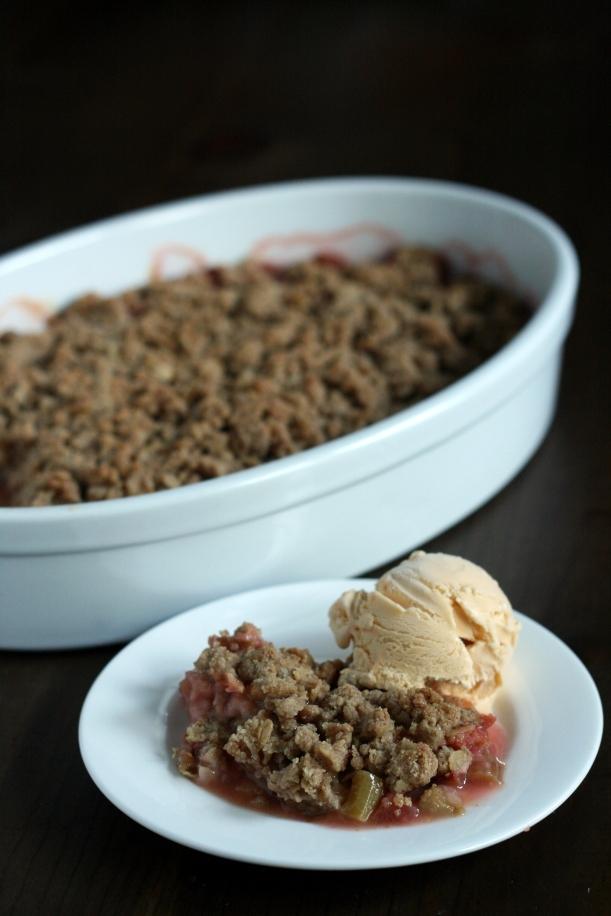 Rhubarb Ginger Crisp {GF & Vegan} | doughseedough.net