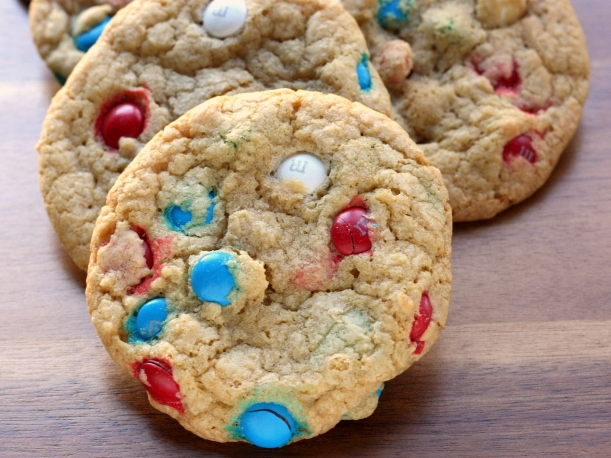 Thick & Chewy M&M Cookies | doughseedough.net